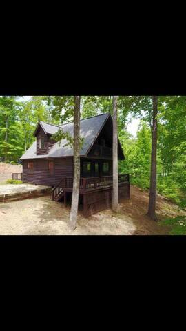 Cabin at Pickwick Lake