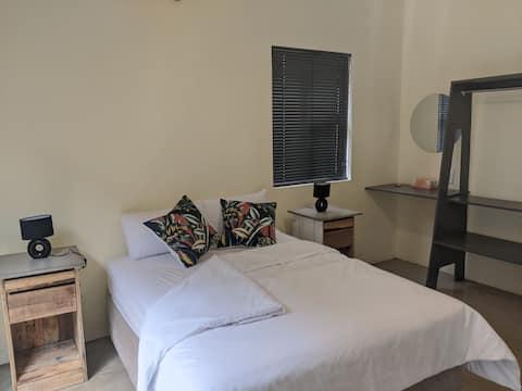 Tranquil Guest Suite @ Tutu's