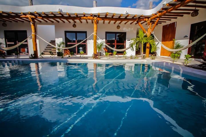 King vista piscina - STANDAR