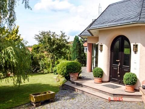 3 Zimmer Loft mit Sauna & Garten in Ortenberg