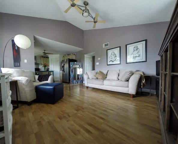 Charming 2BdRm Old Metairie Retreat - Metairie - Condominium