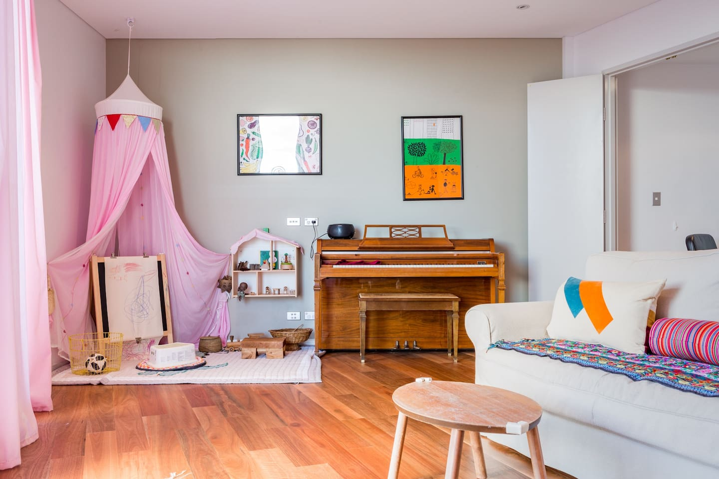 Living area, child's play area and entertainment area
