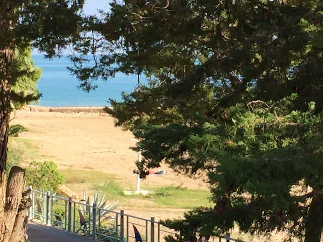 Casa Frente al mar,primera línea playa con piscina
