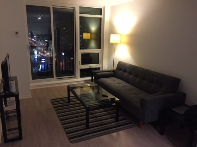New 1 bdrm uptown Toronto condo. Close to subway. - Toronto - Appartement en résidence