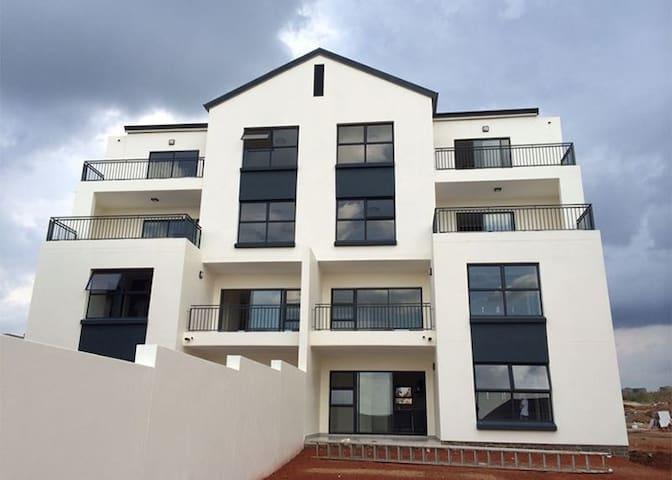 Private Space Johannesburg - Mi Casa, Su Casa