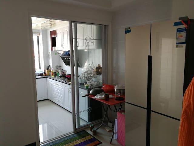 家整洁干净 - Ningbo Shi - Casa