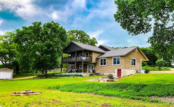 Grandview Rapids on the Kings River, Fire Pit, Deck, WiFi, FREE River Access (walk or drive)