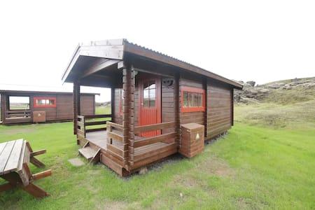 Hólaskjól Cabin 3 / Eldgjá highlandcenter