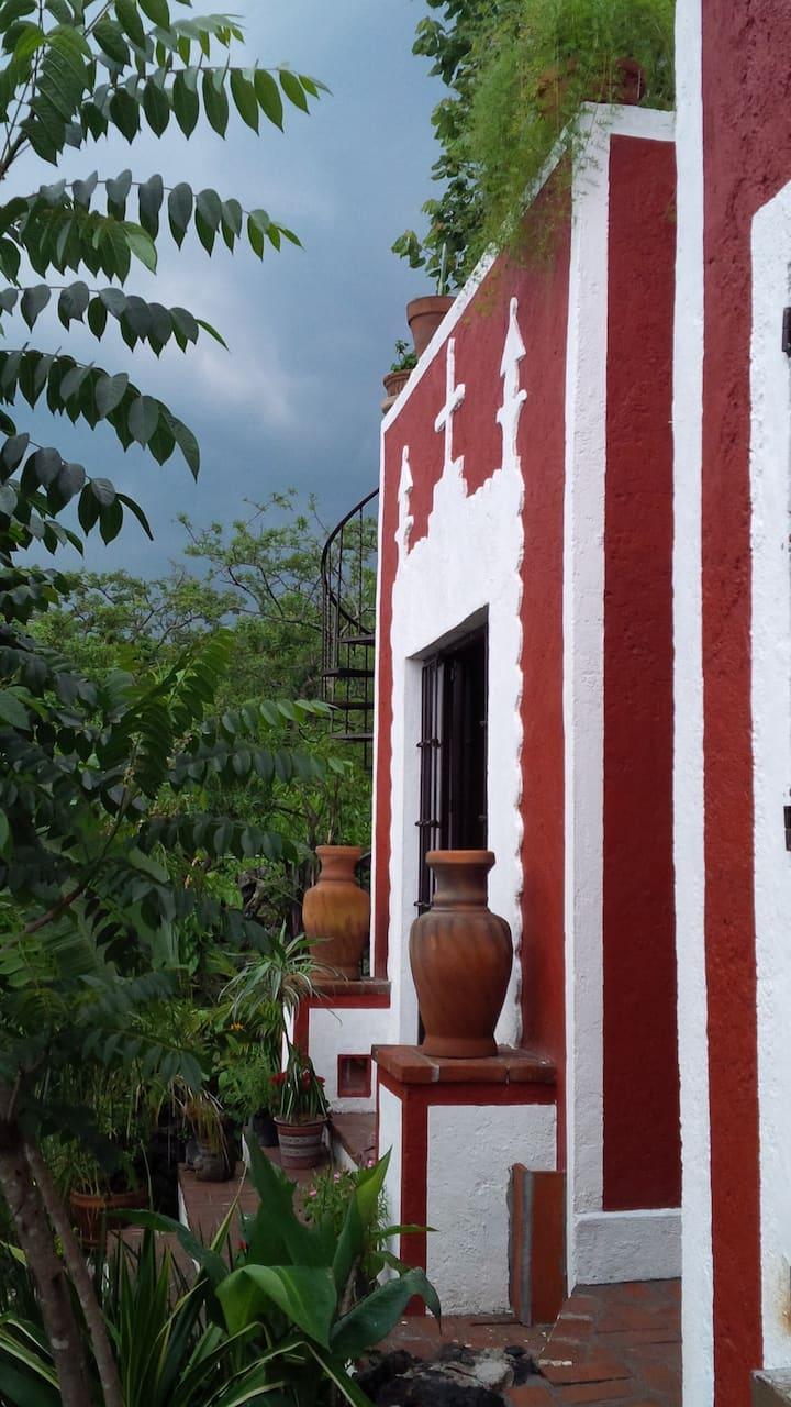 4-BED&GARDEN Cabañas Where ART has life. Tepoztlán