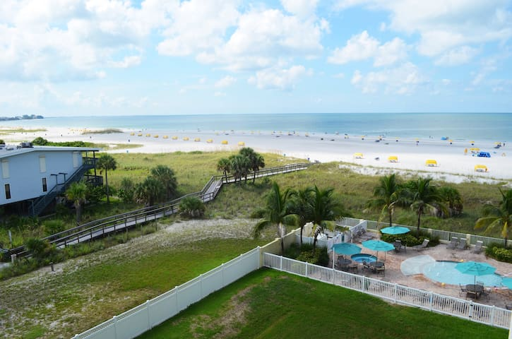 SUNSET VISTA#511S! $150/NIGHT FOR MAY! BEACH VIEW! - Treasure Island - Condo