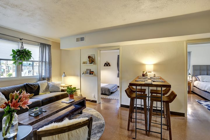 Cozy Apartment, blocks from downtown Greenville