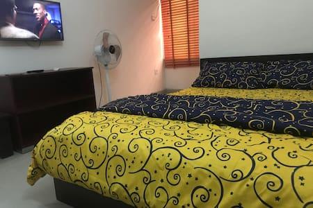 Comfy Ensuite Room near LBS Lekki