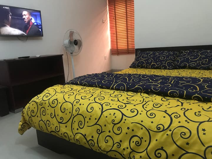 Comfy Ensuite Room near LBS Lekki