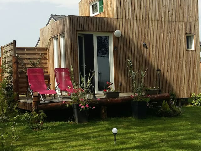 Tiny House dans jardin...parking