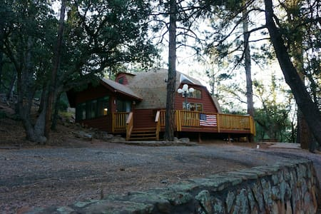 The Dome Cabin in Pine!