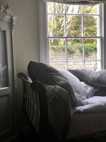 Single room in house in Combe Down, Bath