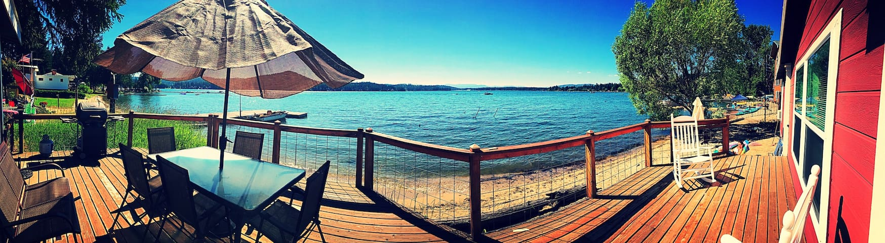 Loon Lake Waterfront Home- 30 minutes from Spokane