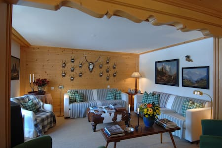 Luxury Apartment in the centre of Gstaad - Saanen - Apartamento
