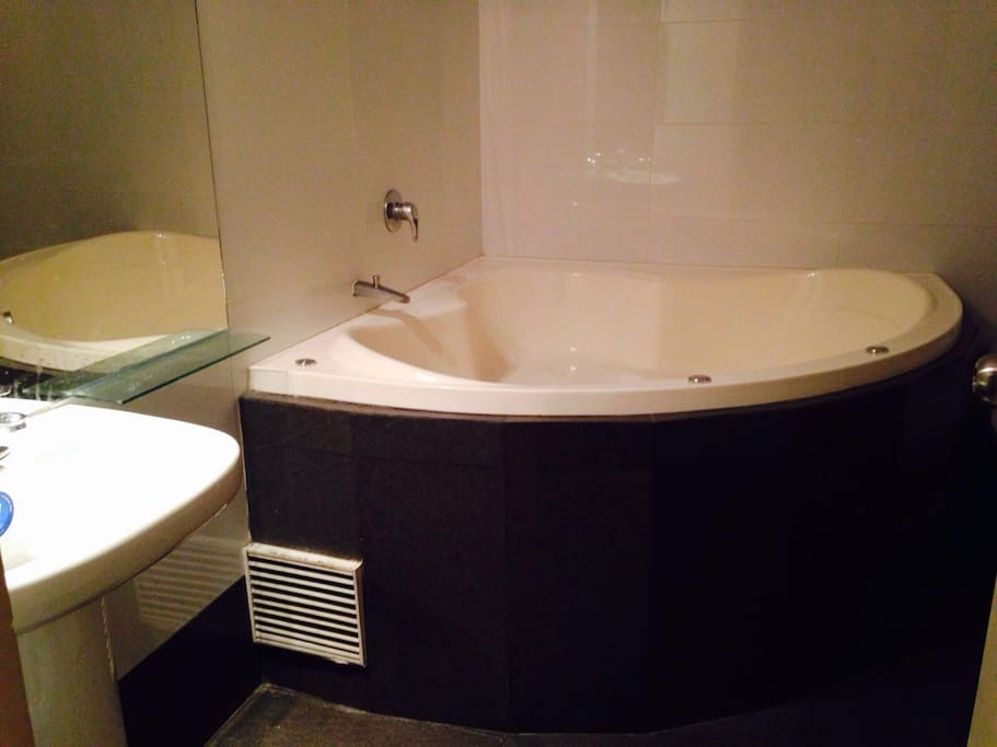 Jacuzzi in the luxury Room