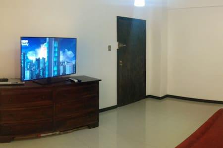 Cómodo apartamento Los Chaguaramos - Caracas