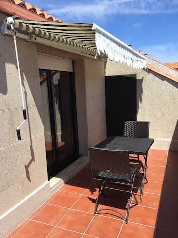ALQUILO PRECIOSO ATICO TEMPORADA VERANO - Illa de Arousa - Apartment