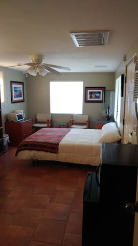 Private Suite Overlooking the Hassayampa & Town