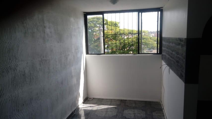 Apto confortável próximo  Shopping metrô Itaquera