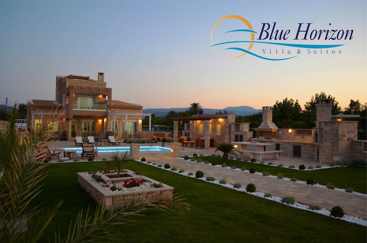 Beachfront Blue Horizon Villa with private pool