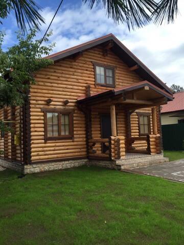 Гостевая усадьба - Псков - บ้าน