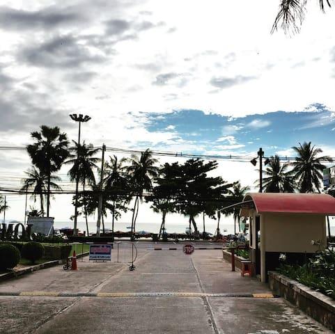 Jomtien Beach Condominium entry and security gates
