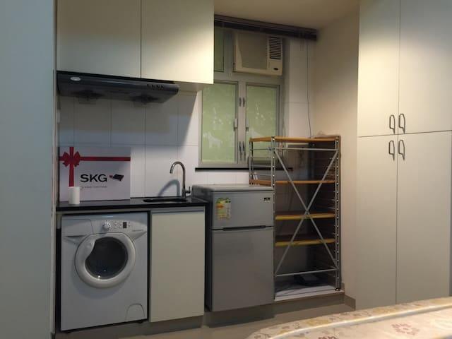 享受大床!近時代廣場、SOGO!頂級淨水器空氣淨化器享用! - 香港 - Condominium