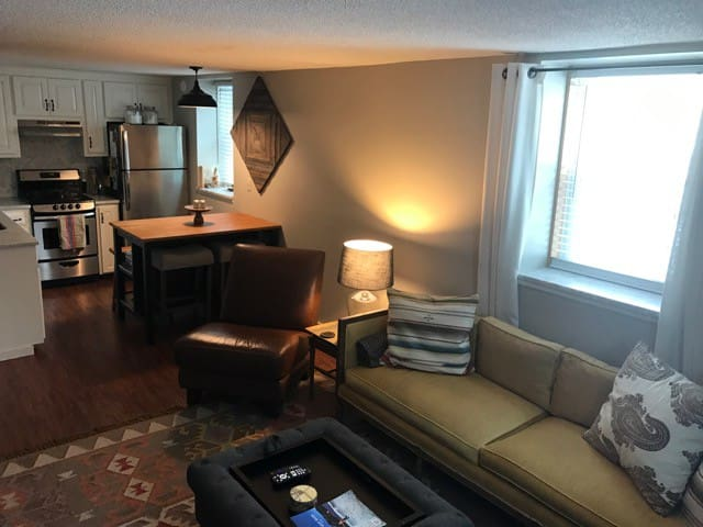 Updated Bethel Village Condo - Bethel - Apartament