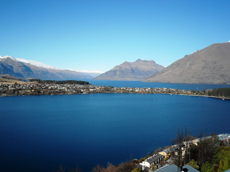 The Remarkables, Cecil and Bayonet Peaks on Lake Wakatipu