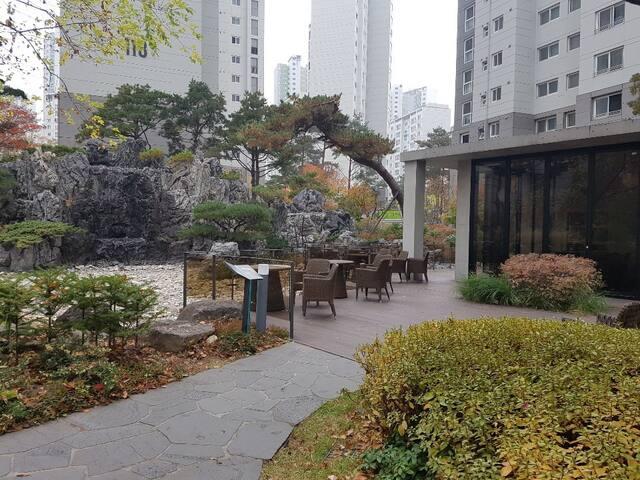 고덕역 근처 Love house /서울과 하남 사이 / 깨끗하고 안락한 공간에서 숙박하세요