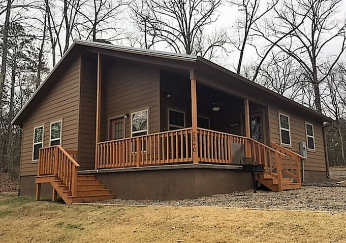 Red Oak Cabin at Cow Oaks Cabins and Event Center