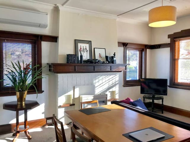 Rupert Apt 3  - Close to Nth Hobart+ 1 Bed+ Sunny