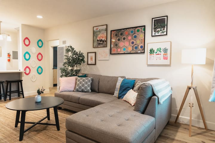 ✹Artsy Apt in Dtwn Fullerton  ✹Discounted Rate ✹