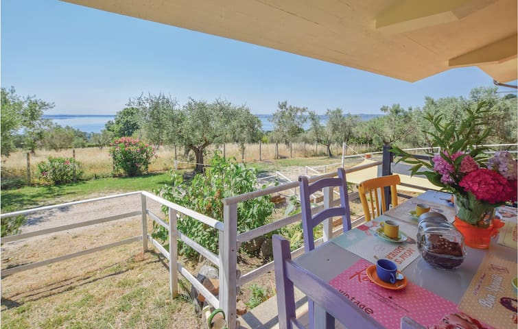 Holiday cottage with 2 bedrooms on 140 m² in Bracciano -VT-