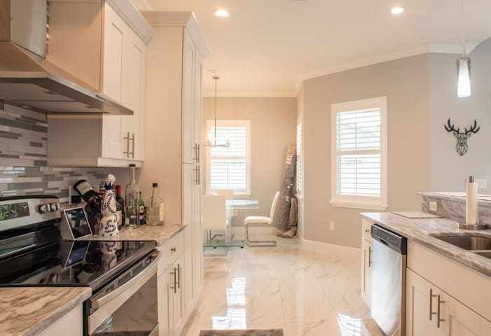 Perfect Location Full House 3Br + Office  in Tampa