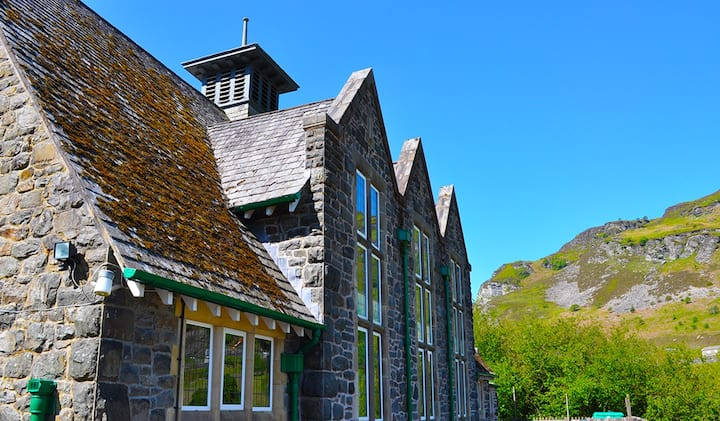 5 star activity centre with en-suites mid Wales