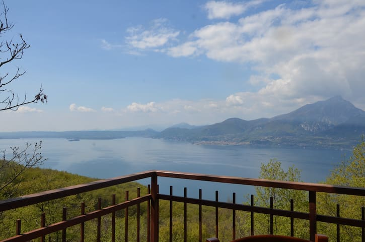 Oasi tra lago di Garda e M.te Baldo - San Zeno di Montagna - Casa