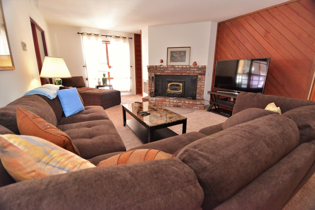 """New Sectional in Living area with brand new 55""""Samsung Smart TV, Bluray DVD and soundbar."""