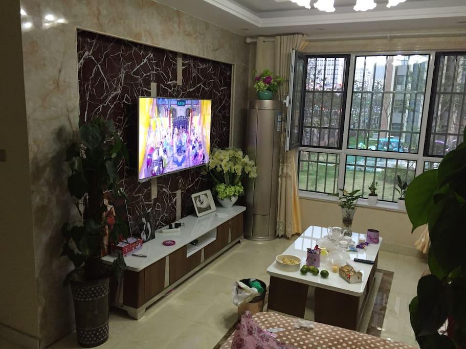 客厅空调,电视,无线网络覆盖