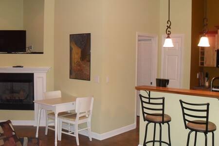 Luxury Studio Apartment on 14 Acres - Creek Views!