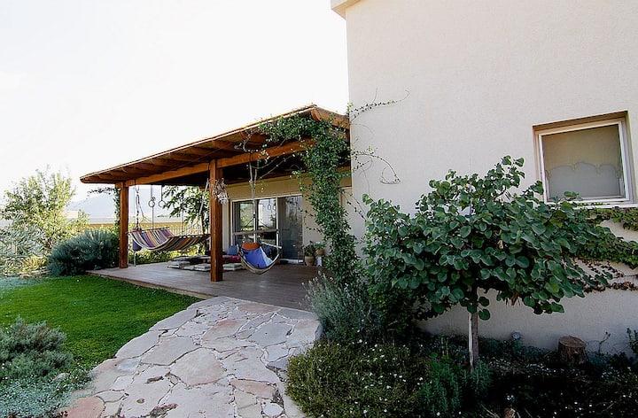 Galilee Inspiration House      בית גלילי עם השראה