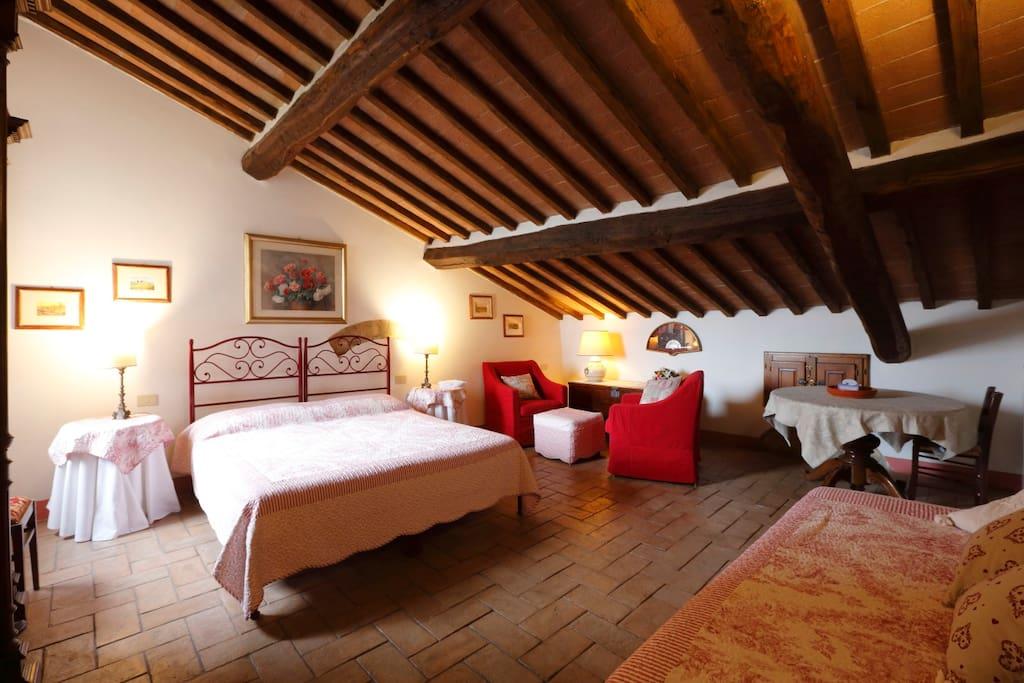 Camera 1 - matrimoniale (con letti separabili) + letto singolo