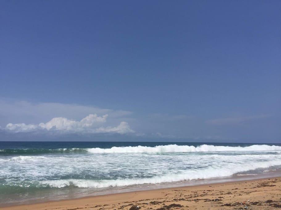 La plage de Grand Bassam a 5 mn de la maison