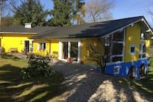 Künstlerhaus-naturnah-ruhig-groß..
