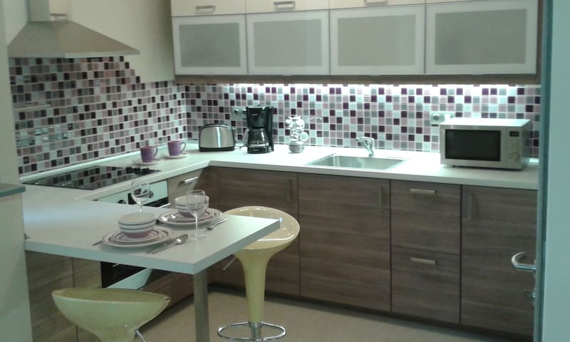 NEW! Central location flat - Budapest - Apto. en complejo residencial