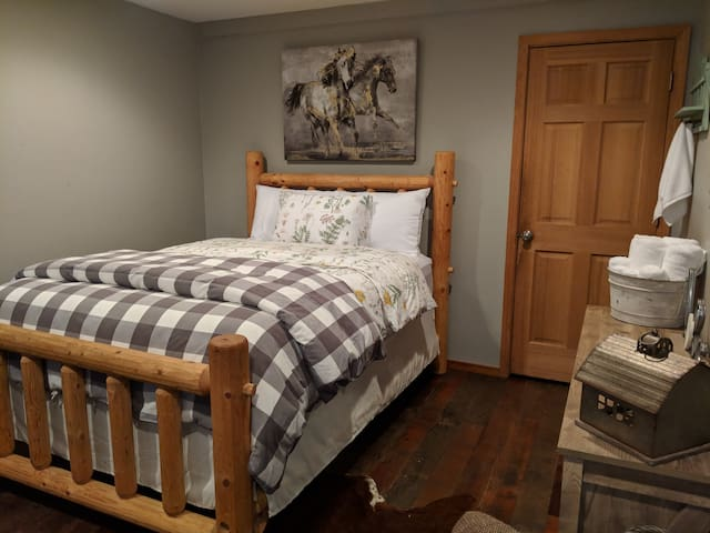 Pine wood bed sleeps 2